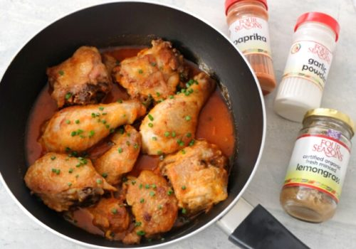 Try this easy Lemongrass Paprika Chicken recipe made with Four Seasons Fresh Minced Lemongrass and Four Seasons Paprika. The pairing of lemongrass and chicken is popular in Thai cooking. Lemongrass is tangy, delicious, with refreshing aromas
